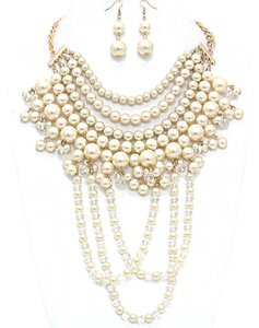 Other Beautiful Contessa Draped Pearl Necklace and Earring