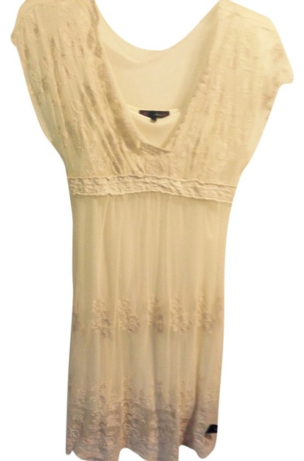 Preload https://item3.tradesy.com/images/ivory-like-new-mid-length-cocktail-dress-size-8-m-5633872-0-0.jpg?width=400&height=650