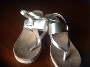 Style & Co & Gray Pewter Like New Great Slight Heel Pewter Gold Sandals