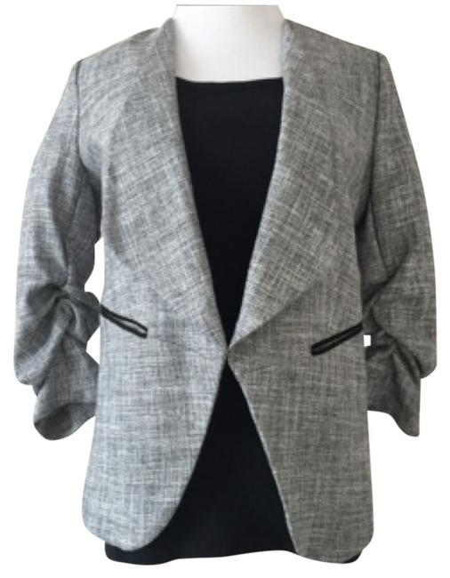 Preload https://item3.tradesy.com/images/h-and-m-textured-gray-blazer-size-12-l-5634262-0-0.jpg?width=400&height=650