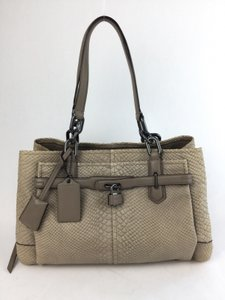 Coach Women's Tote in Beige