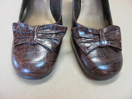 Nine West Excellent Condition Reptile Design Leather Size 7.00m Brown Pumps