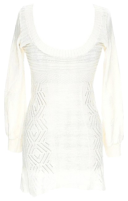 Preload https://item5.tradesy.com/images/dolce-vita-ivory-longsleeve-knit-above-knee-workoffice-dress-size-8-m-5639584-0-4.jpg?width=400&height=650