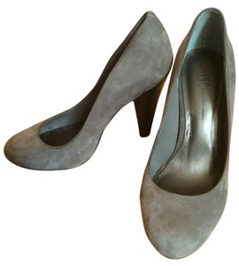 INC International Concepts Grey Suede Pumps