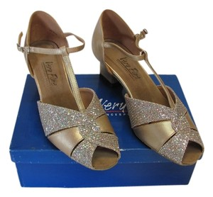 Other New With Sparkle Size 8.00m Gold Formal