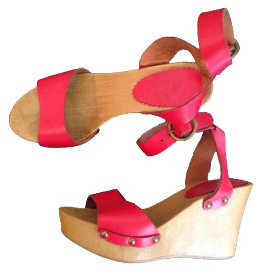 Red Wedge Red Wedges