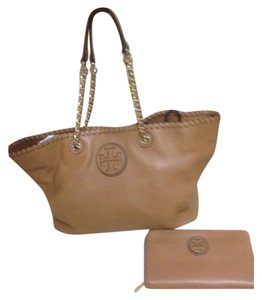 Tory Burch Tote in Caramel Purse SET w/MATCHING WALLET