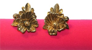Beautiful Flower Clip On Earrings