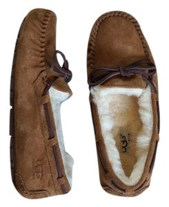 UGG Australia Dakota Slippers Leather Chestnut Flats