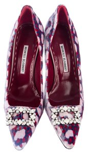 Manolo Blahnik 40 Chanel 40 Pumps