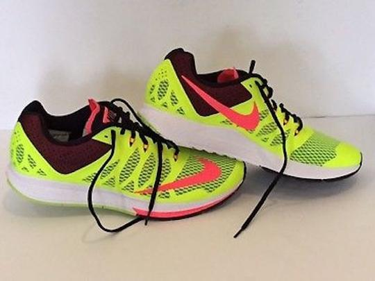 Nike Runningshoes Running Gifts For Him Mensneakers Runninggifts Flourescent Athletic