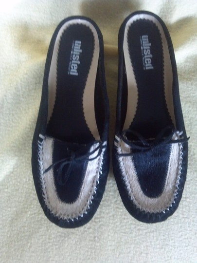 Unlisted by Kenneth Cole Black and white Flats