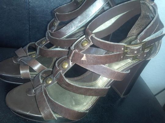 Simply Vera Vera Wang Brown Sandals