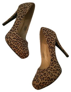 ShoeDazzle Stiletto Wedge Toe Suede Sexy High Heel Leopard Pumps