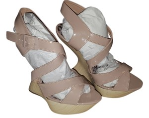 Dollhouse Tan/Neutral Wedges