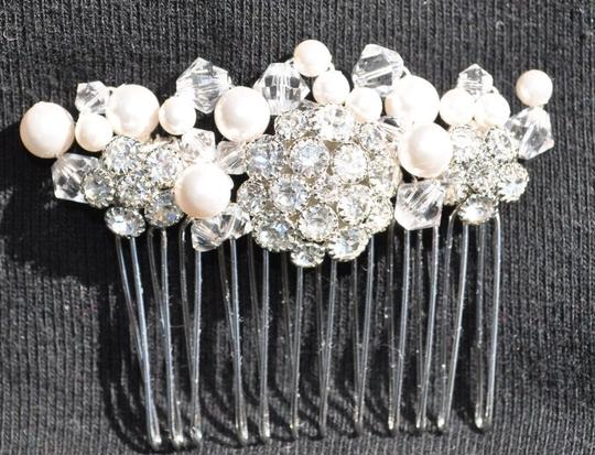 / Comb with Rhinestones Crystals and Pe Hair Accessory