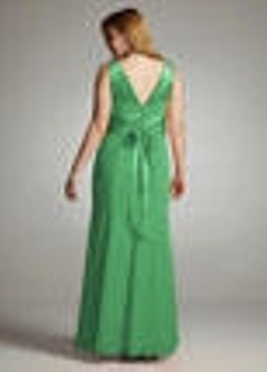 David's Bridal Green Silk Charmeuse Chiffon and Rounded Neckline Formal Bridesmaid/Mob Dress Size 4 (S)