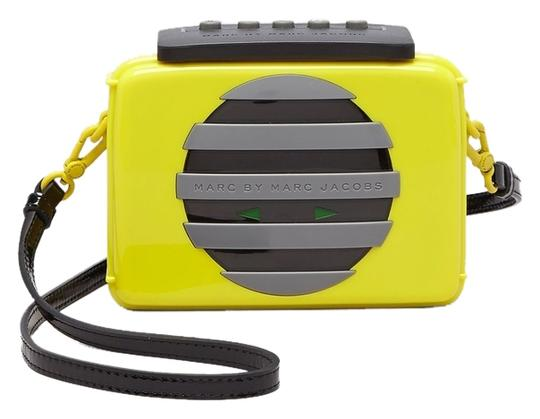 Preload https://item3.tradesy.com/images/marc-by-marc-jacobs-out-loud-shoulder-yellow-gray-and-black-acrylic-cross-body-bag-5663527-0-0.jpg?width=440&height=440