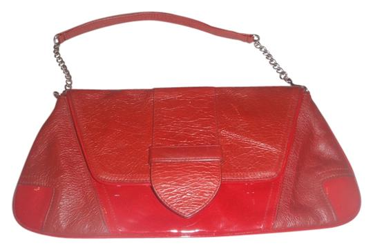 Preload https://item2.tradesy.com/images/hobo-international-bebe-with-chain-starp-bagpurse-red-leather-clutch-5663611-0-0.jpg?width=440&height=440