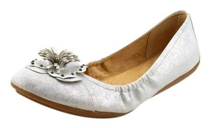 Naturalizer silver Flats