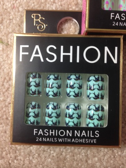 opia Bundle Of 5 Boxes Of 24 And 36 Acrylic Nails