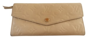 Louis Vuitton Louis Vuitton Curieuse Wallet Neige Empreinte