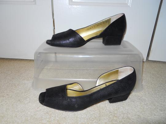 Bruno Magli Leather black Pumps