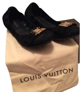 Louis Vuitton Dark navy Flats