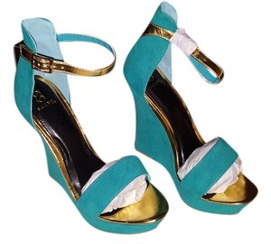 Scene Turquoise with Gold Wedges