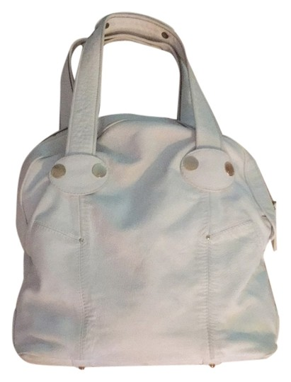 Preload https://item1.tradesy.com/images/gustto-white-leather-tote-5669185-0-0.jpg?width=440&height=440