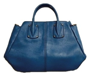 Robert Matthew Shoulder Bag