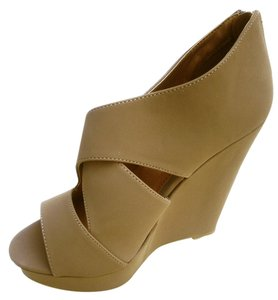 Wild Diva Tan Wedges