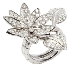 Van Cleef & Arpels **CONSIGNOR RETURN** DIAMOND LOTUS RING