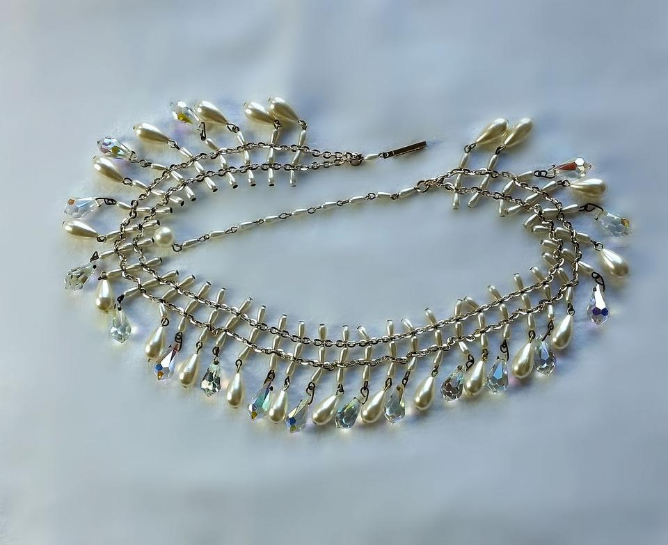 Vintage Australian Crystal And Faux Pearl Necklace