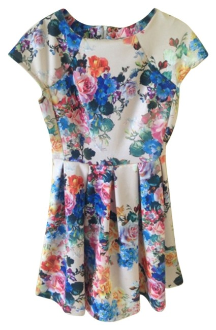 Romeo & Juliet Couture short dress Colorful on Tradesy