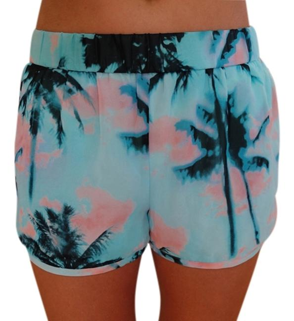 Preload https://item2.tradesy.com/images/forever-21-blue-palm-print-trees-minishort-shorts-size-2-xs-26-5682961-0-0.jpg?width=400&height=650