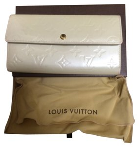 Louis Vuitton Th0045