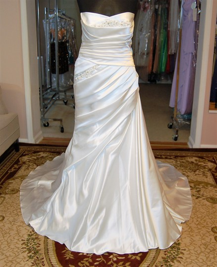 Enzoani Diamond White Satin Dress Size 14 (L)