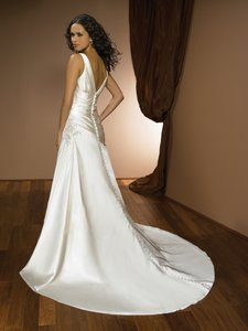 Allure Bridals 2320 Wedding Dress