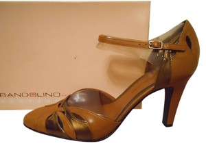 Bandolino Leather tan & bronz Pumps