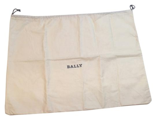 Preload https://item4.tradesy.com/images/bally-bally-cotton-purse-clutch-bag-dust-cover-5700973-0-0.jpg?width=440&height=440