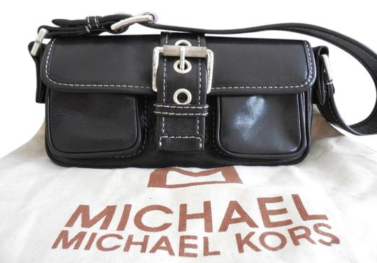 Preload https://item1.tradesy.com/images/michael-kors-black-leather-shoulder-bag-5704105-0-0.jpg?width=440&height=440
