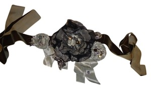 Enzoani Enzoani Diana Belt grey with brown sash