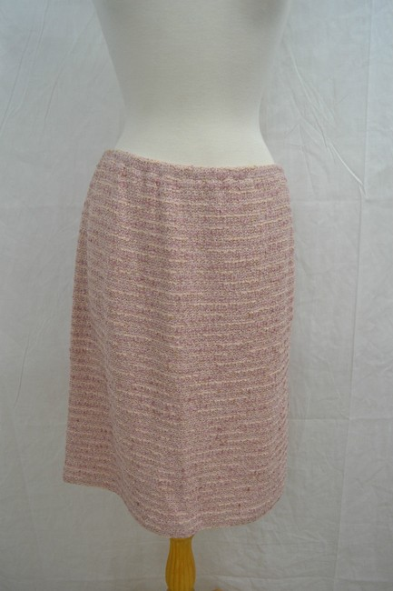 Preload https://item4.tradesy.com/images/st-john-couture-pearl-pink-w-gold-flecks-knit-skirt-5713048-0-0.jpg?width=400&height=650