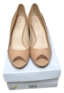 Nine West Nude/natural Pumps