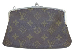 Louis Vuitton Monogram Clutch Clutch