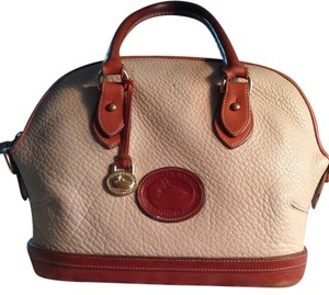 Dooney & Bourke Satchel in Cream/tan