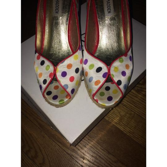 Steve Madden White with poka dot Wedges