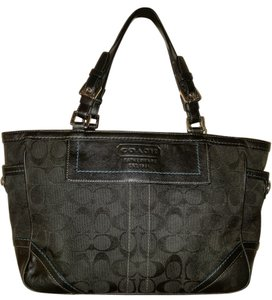Coach 8k49 Signature Gallery Tote in Black