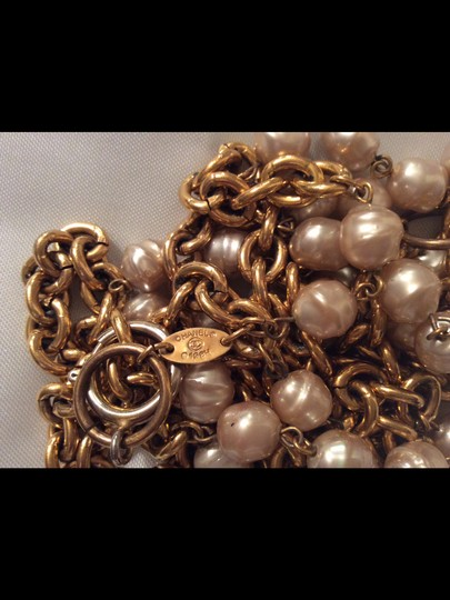 Chanel CHANEL RARE VINTAGE 1984 GOLD PLATED BAROQUE PEARL NECKLACE